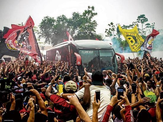 Flamengo y River Plate ya están en Lima para disputar la final de la Copa Libertadores