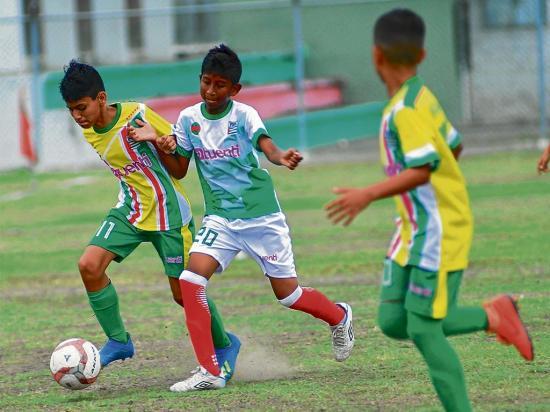 Los dirigentes de los cuatro cantones finalistas no se confían de sus rivales en la Copa El Diario-FDM