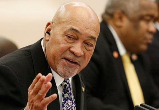 Presidente de Surinam afronta un futuro incierto tras condena por asesinatos