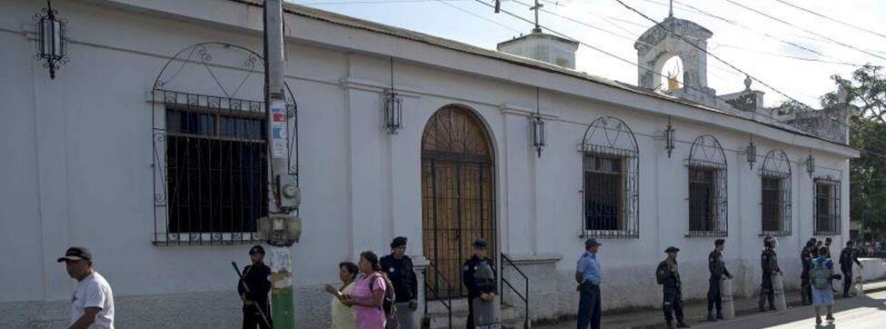 Envían a juicio a 16 opositores que llevaban agua a huelguistas en Nicaragua