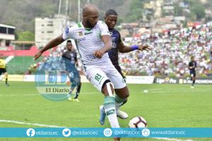 Liga de Portoviejo vence por 2-1 a Ind. Juniors en la semifinal de ida