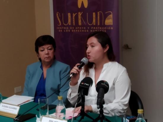 Feministas de Ecuador rechazan recorte fiscal para prevenir embarazo juvenil