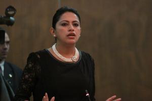 Piden la liberación inmediata de prefecta de Pichincha detenida por el supuesto delito de rebelión