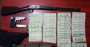 Policía incauta armas y dinero en dos operativos realizados en La Concordia