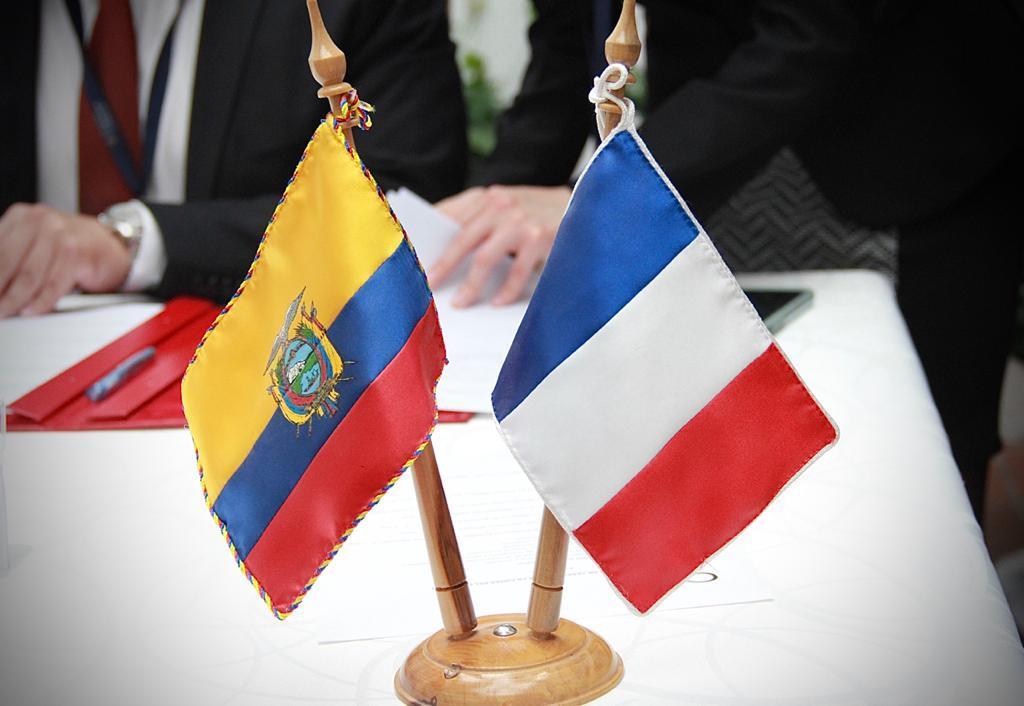 Ecuador recibe de Francia 150 millones para luchar contra crisis climática