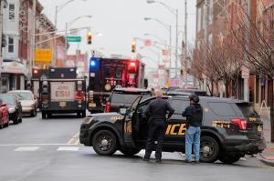 Seis personas muertas en un tiroteo en un supermercado de EE.UU.
