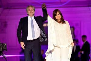 Fernández asume Presidencia de Argentina con foco en aliviar crisis económica