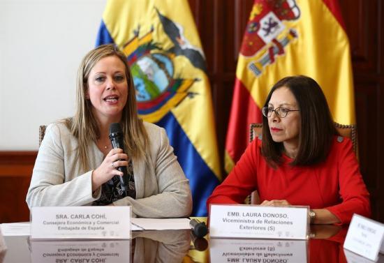 Ecuador y España firman canje de deuda por unos 1,3 millones de dólares