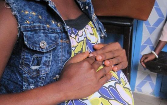 Un tribunal anula la decisión de Sierra Leona de prohibir ir al colegio a jóvenes embarazadas