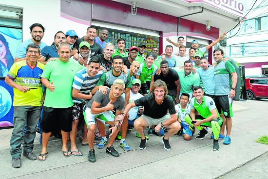 Liga viajó a Machala lleno de ilusión por el título de la Serie B