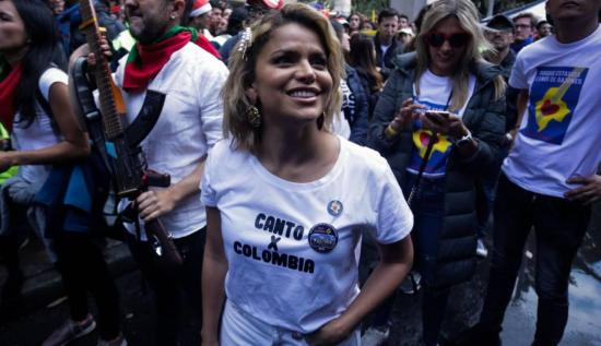 Cantante Adriana Lucía denuncia amenazas tras apoyar protestas en Colombia
