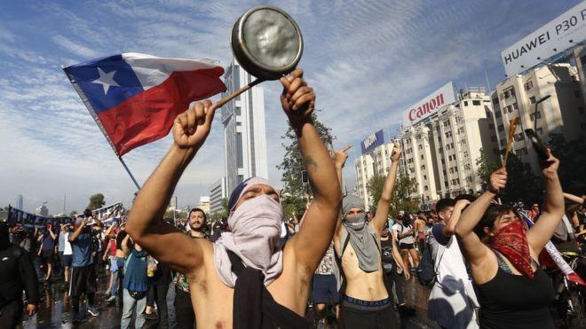 Más de cien mil despedidos por ''necesidades de la empresa'' durante la ola de protestas en Chile
