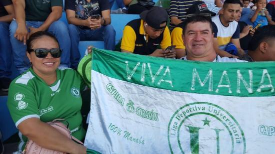 Hinchas viajaron a Machala para alentar a Liga de Portoviejo en la final de la Serie B