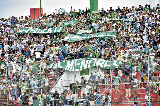 La afición de Liga de Portoviejo confía en traerse la copa