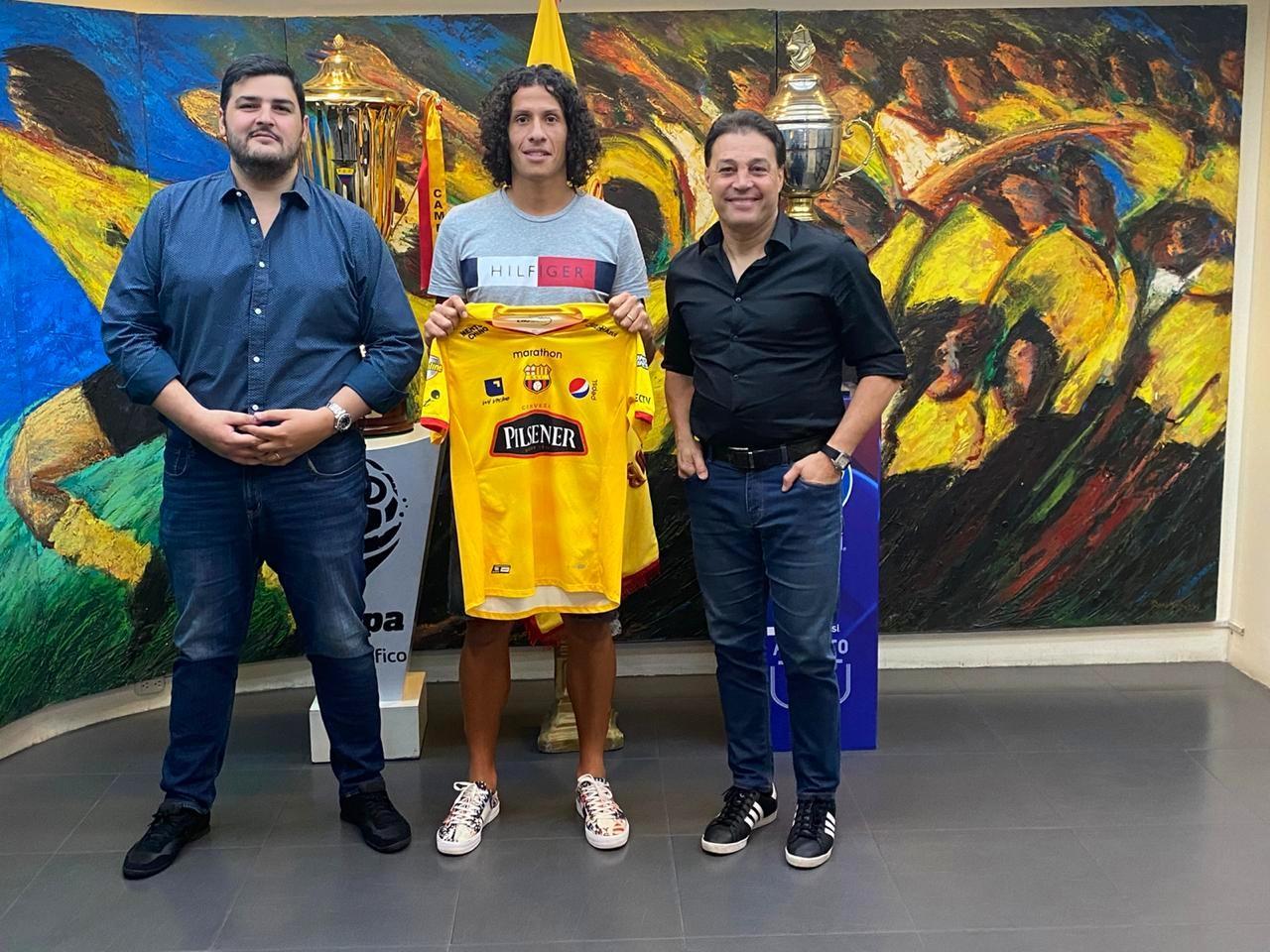 Barcelona SC anuncia a Williams Riveros como su nuevo fichaje