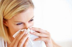 Contaminación ambiental agudiza hasta 20 % síntomas de la rinitis alérgica