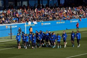 El FC Barcelona regala un entrenamiento de puertas abiertas en la víspera de Reyes
