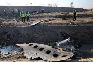 Ciudadanos de siete países murieron en accidente de avión en Teherán