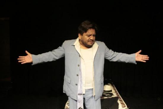 'Vasecto...mío?', un pretexto teatral en Ecuador para desmontar el machismo