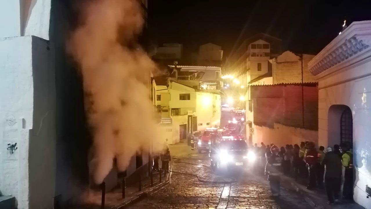 Controlado un incendio en una casa abandonada del centro histórico de Quito