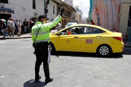 Proponen en Ecuador reforma que incluya al transporte a través de plataformas