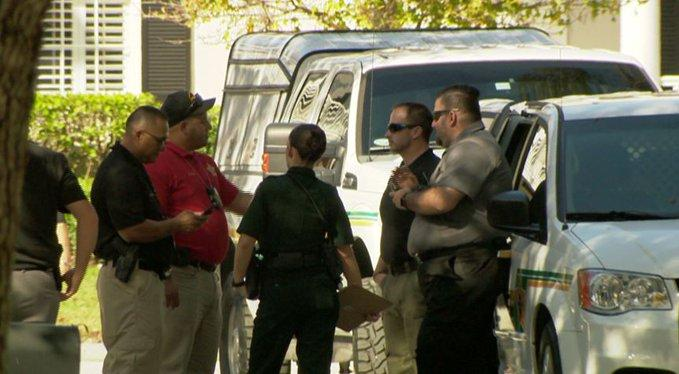 Hallan cuatro cadáveres dentro de una casa cerca de parque temático de Disney en Florida