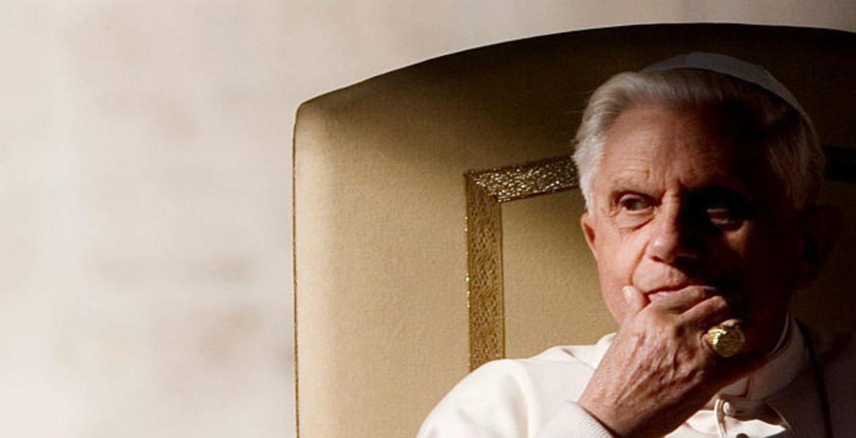 Benedicto XVI pide retirar su firma del polémico libro que defiende celibato