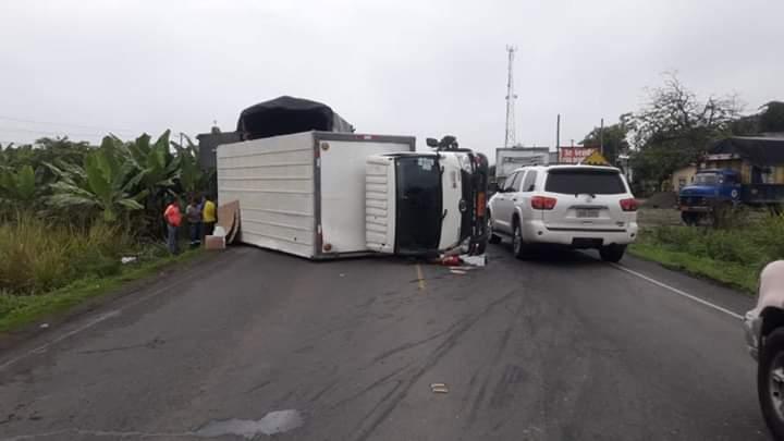 Tres camiones chocaron