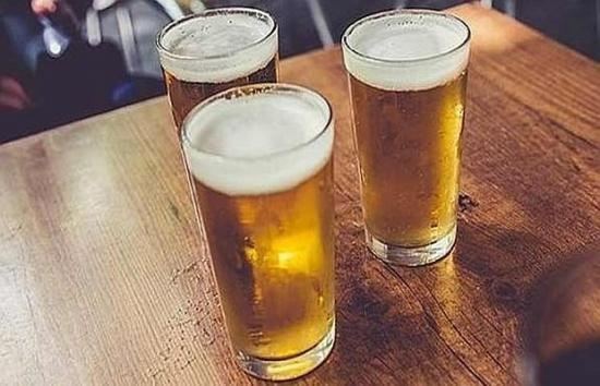 Brasil confirma que ocho marcas de cerveza tienen toxina que causó cuatro muertes