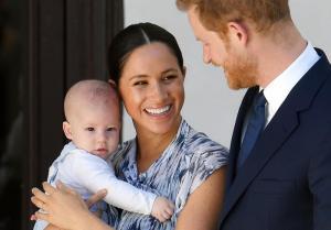 Enrique y Meghan rompen con la monarquía con un lucrativo futuro a la vista