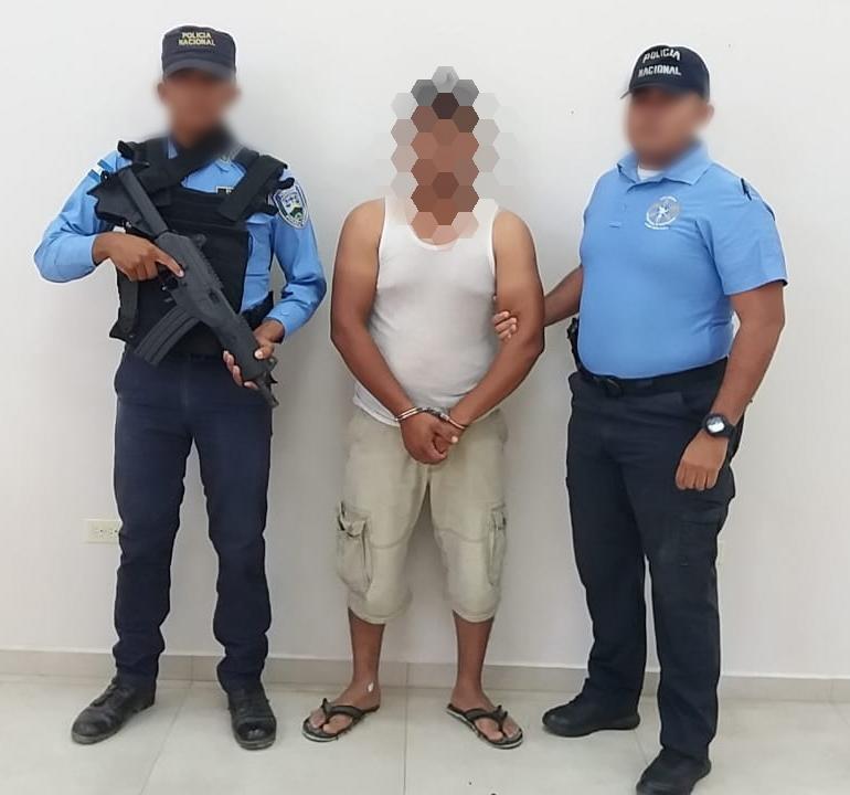 Detienen a ''coyote'' hondureño con tres ecuatorianos y un cubano rumbo a EEUU
