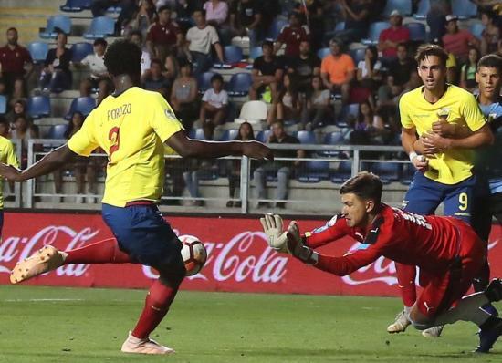 Ecuador y Colombia se miden hoy en el estadio Centenario de Armenia