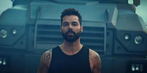 Ricky Martin estrena mundialmente su nuevo sencillo y vídeo ''Tiburones''