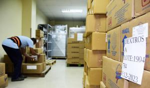 PORTOVIEJO: Medicinas e insumos llegan al hospital Verdi Cevallos