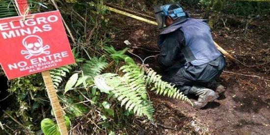 Un niño de 12 años resulta herido al pisar una mina antipersonal en Colombia