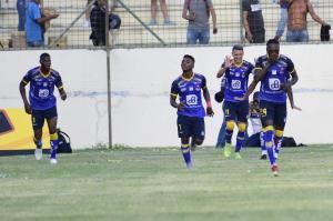 Delfín y Liga de Portoviejo empatan 1-1 en la 'Tarde Cetácea'