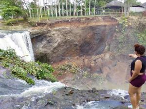Derrumbe en la cascada