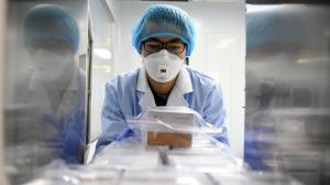 Científicos chinos esperan poder probar vacuna contra coronavirus en 40 días