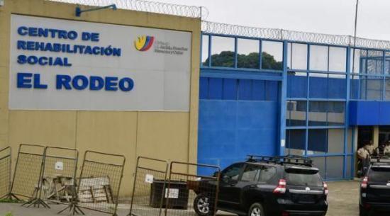 PORTOVIEJO: Hallan celulares, municiones y armas en la cárcel El Rodeo