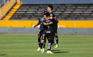 Independiente del Valle vence por 2-1 a Mushuc Runa en el partido inaugural del torneo LigaPro