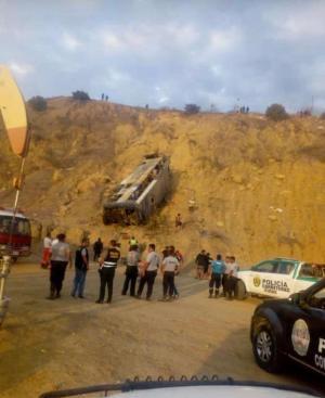 Policía de Perú confirma seis fallecidos en accidente de bus con hinchas barcelonistas