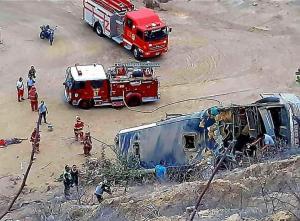 Un bus con hinchas de Barcelona SC sufrió un accidente en Perú, cerca a Máncora