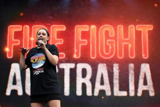 Un concierto benéfico recauda seis millones para paliar los estragos de los incendios en Australia