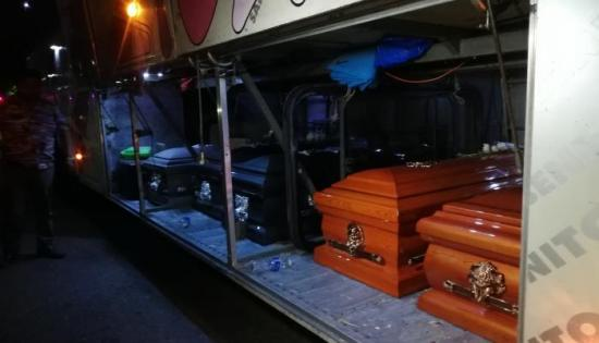 Llegan a Ecuador los féretros de los siete barcelonistas fallecidos en Perú