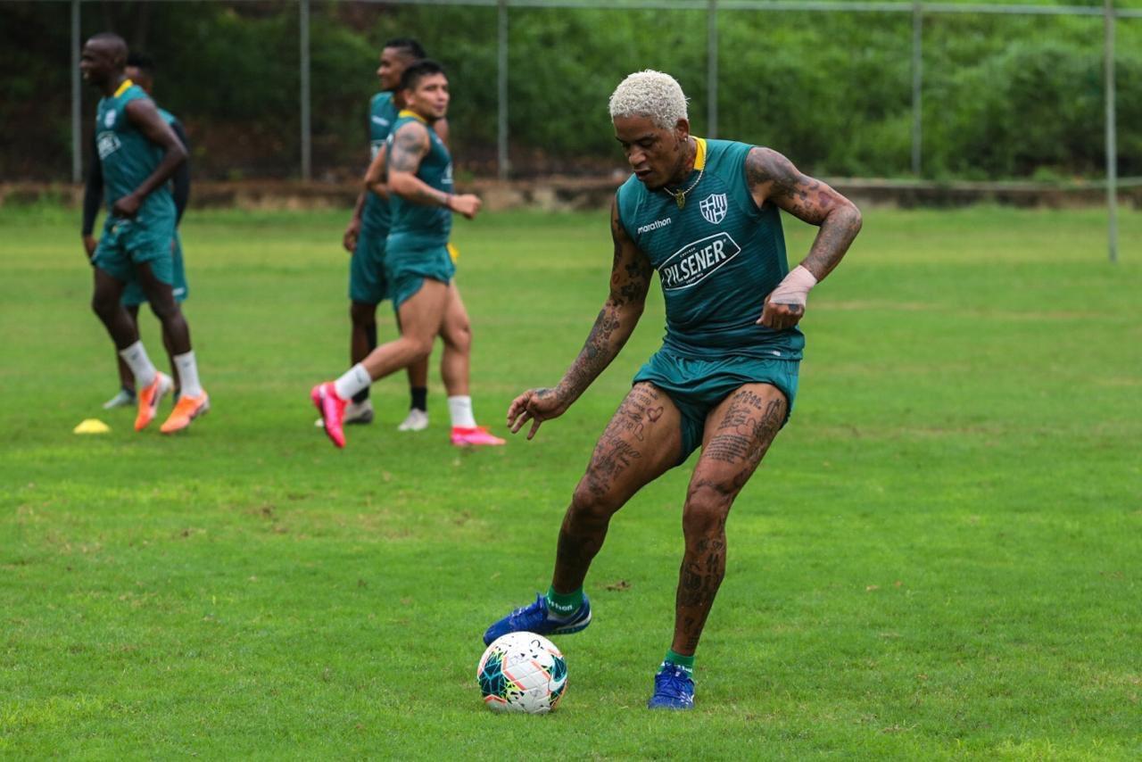 Michael Arroyo se reintegra a los entrenamientos de Barcelona