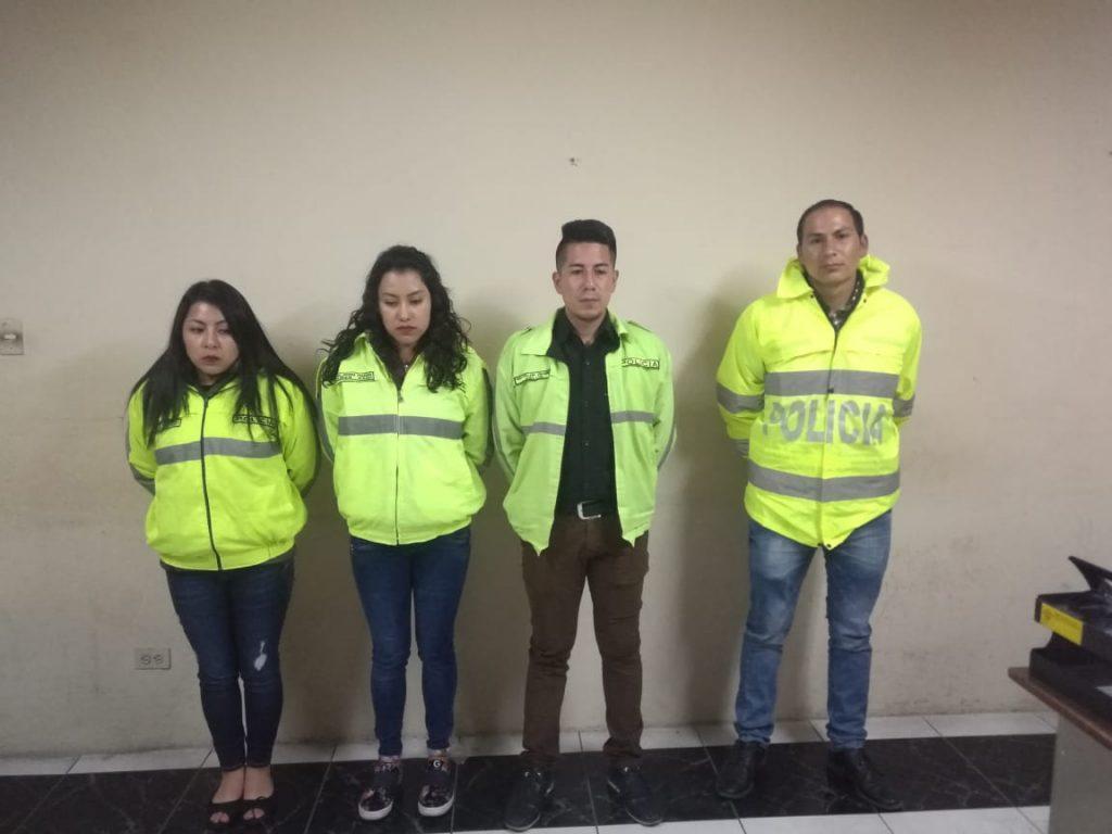 Cuatro personas se visten de Policías para no pagar por entradas a concierto