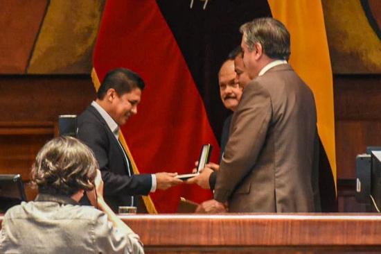 Delfín es condecorado por la Asamblea Nacional por el campeonato de 2019