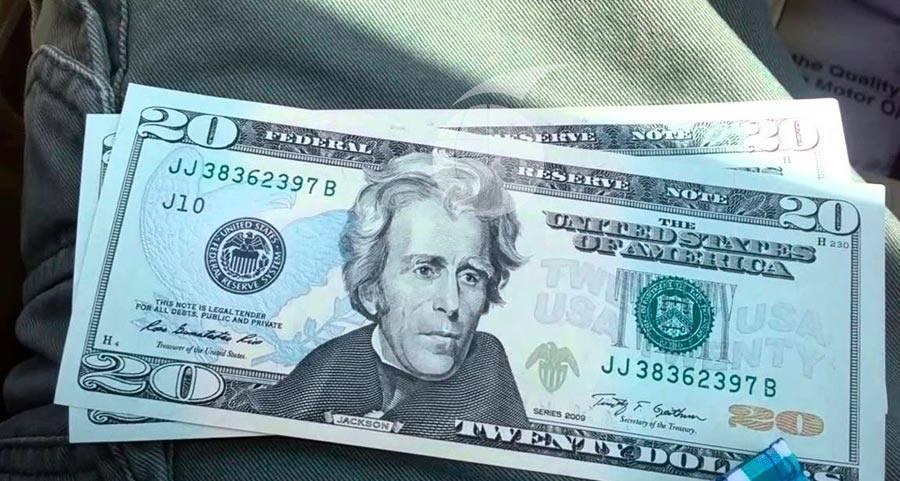 Compran celular con billetes falsos en Manta