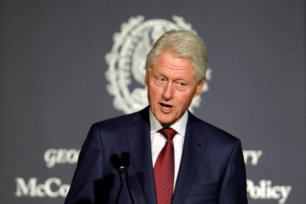 Bill Clinton aboga por las energías renovables y la tecnología para el Caribe