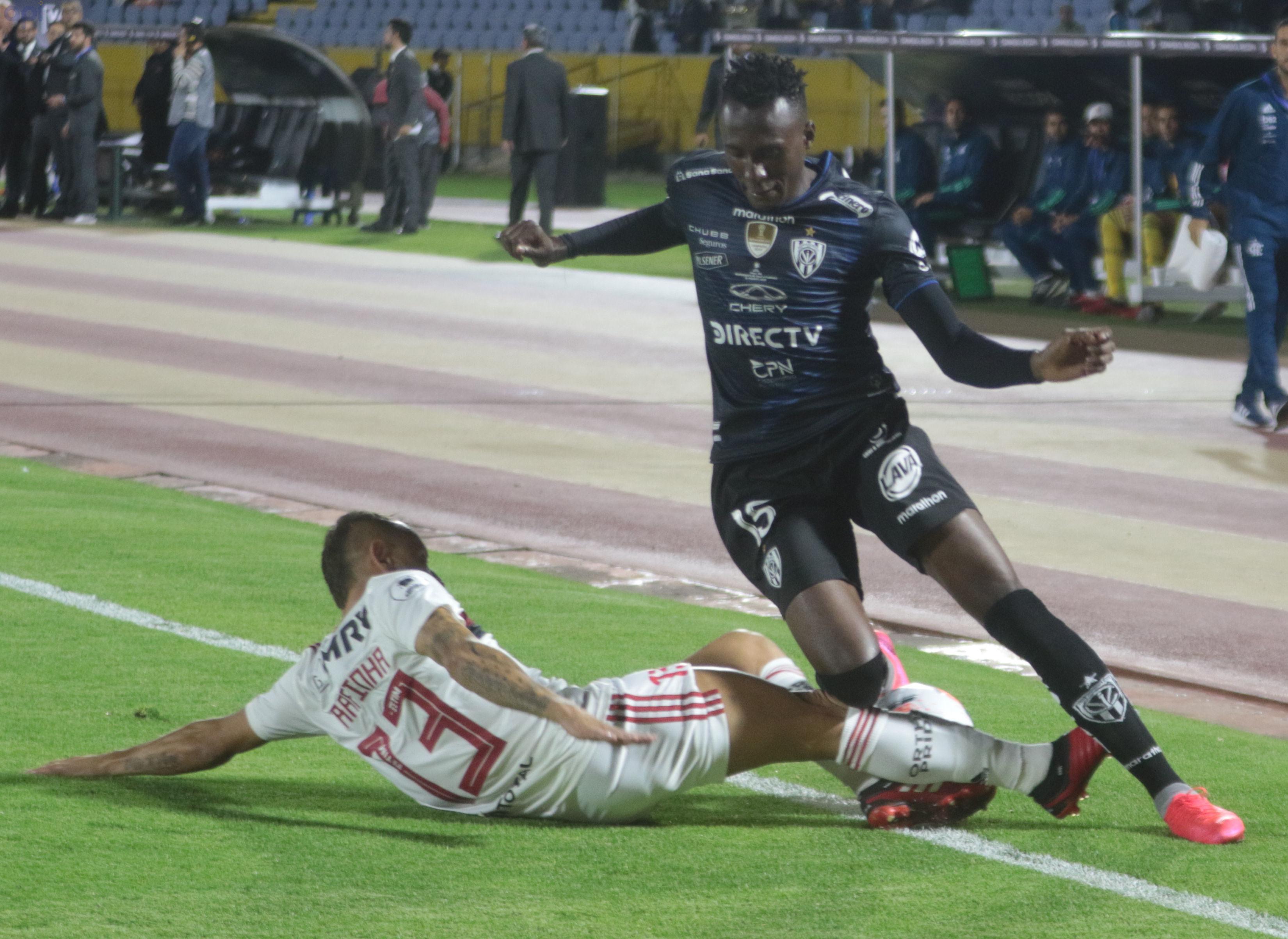 Independiente del Valle y Flamengo  empatan por 2-2 en el partido de ida de la Recopa Sudamericana